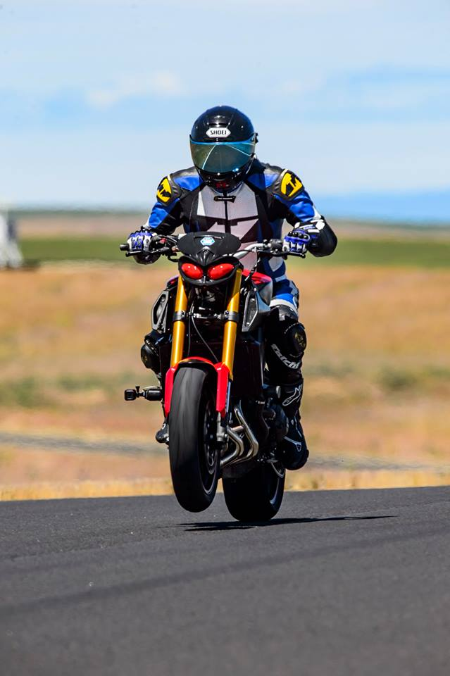 Here is a couple of video shot aboard my 2014 FZ09 at Thunder Hill this last weekend-fz09-orp-06-17-2017-resized.jpg