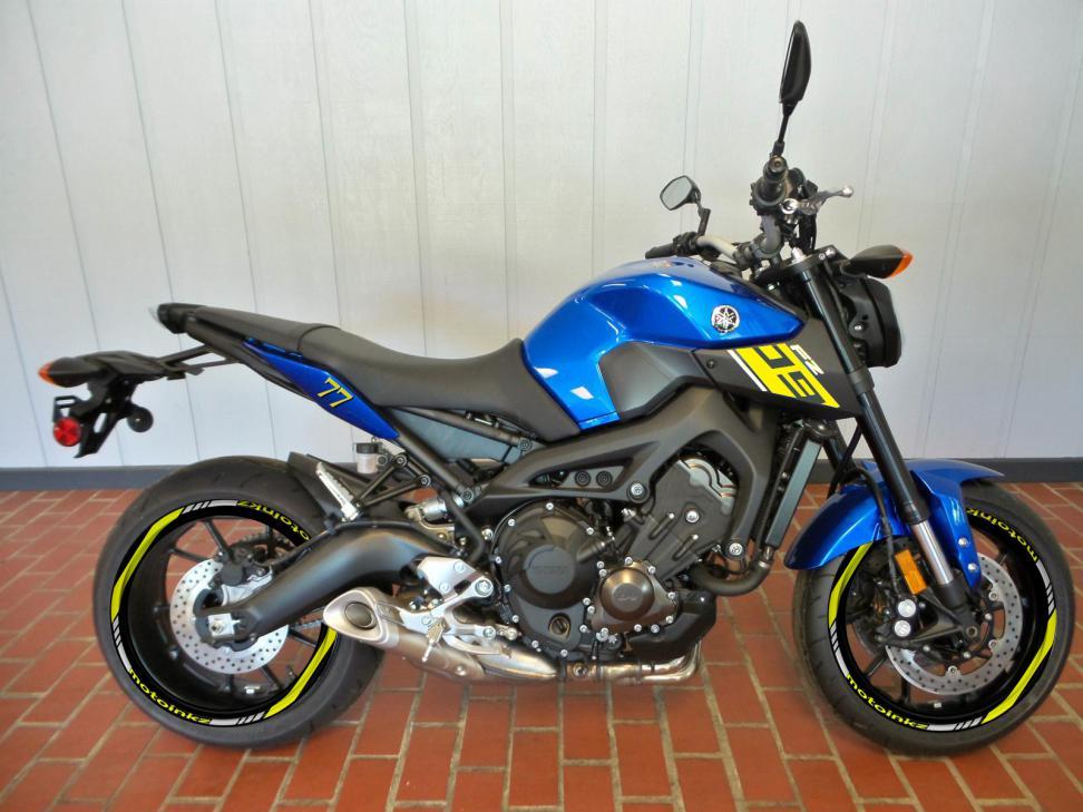 Blue or Black!!!!!!!!!-img_2369.jpg