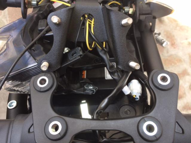 2016 to 2017 FZ-09 Parts fitment?-img_3726.jpg