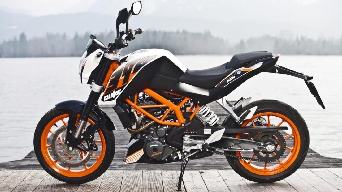 2015 duke 390 to replace grom for wife?